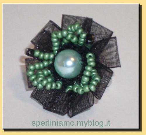 Anello verde con organza.jpg